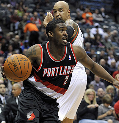 Wes Matthews leads six Blazers in double-figure scoring with 18 points, 16 in the first half.  (AP)
