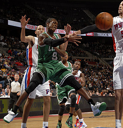 Rajon Rondo dishes 17 assists Tuesday as the Celtics hand Detroit its fourth straight loss. (Getty Images)