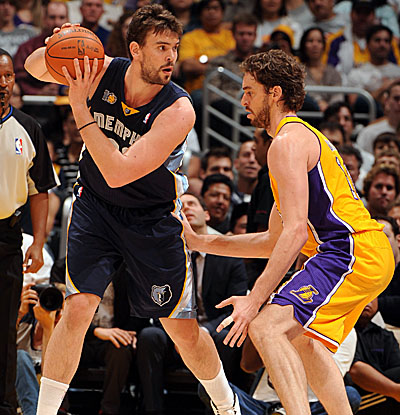 Marc Gasol, left, with 11 points and eight boards, trails brother Pau, who has 21 and 13 for L.A. (Getty Images)