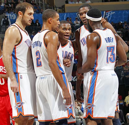 Russell Westbrook and Kevin Durant lead the Thunder by scoring 31 each in the win.  (Getty Images)