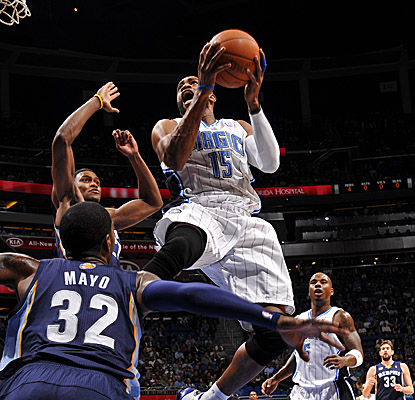 Vince Carter drives to the hoop, finishing with 19 points. (Getty Images)