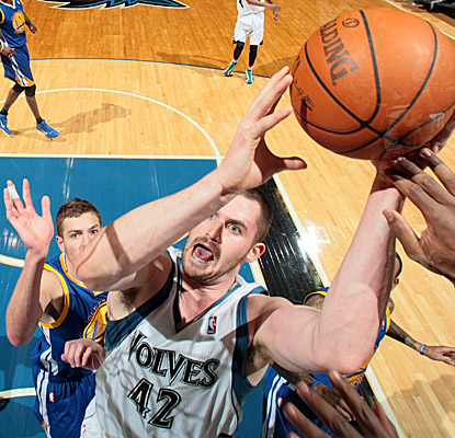 Wolves big man Kevin Love lays some hate on Golden State. (Getty Images)