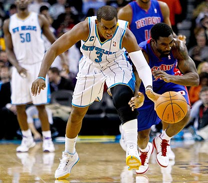 Chris Paul victimizes Detroit's Ben Gordon in the second half for one of his five steals.  (US Presswire)