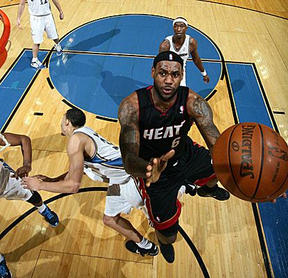 LeBron James leads Miami's come-from-behind victory in D.C., scoring a game-high 32 points. (Getty Images)