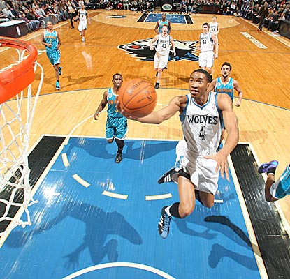 The Timberwolves' Wesley Johnson drives to the hoop in a 113-98 win over the Hornets. (Getty Images)