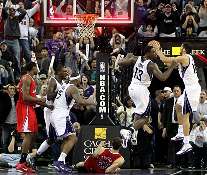 Tyreke Evans laments his missed shot at the buzzer, leaving the Kings one point shy of the Clippers.  (US Presswire)