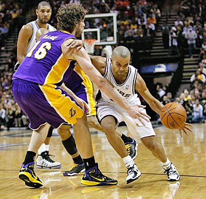 Tony Parker scores 23, and an off night from Tim Duncan and Manu Ginobli doesn't matter in a Spurs' rout. (US Presswire)