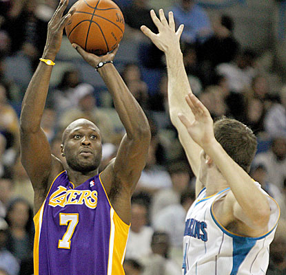 Lamar Odom responds in his season debut as a reserve and scores a team-high 24 points. (AP)