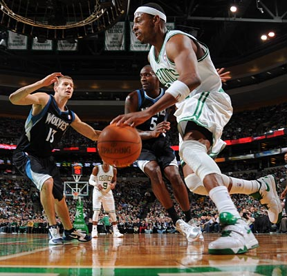 Paul Pierce works his magic on the baseline, helping the Celtics come back from a 10 point deficit.  (Getty Images)