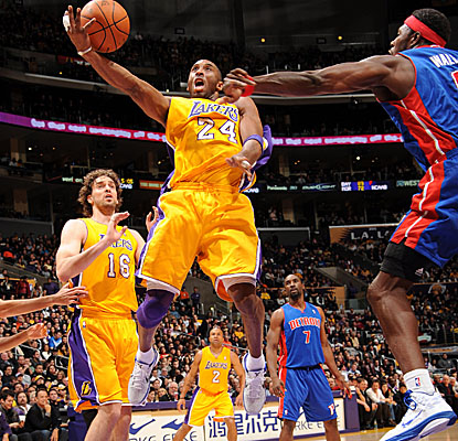 Kobe Bryant notches 17 points, seven boards and eight assists in the Lakers' home win vs. Detroit. (Getty Images)