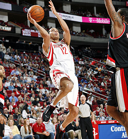 Kevin Martin scores 45 points against the Blazers on Wednesday, but the Rockets still lose 103-100. (Getty Images)