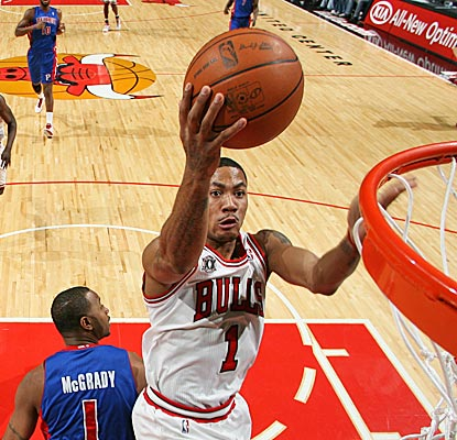 Derrick Rose scores 11 in the third quarter, including the Bulls' final five points, en route to a 29-point night. (Getty Images)