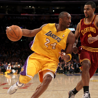 Kobe Bryant and the Lakers set a franchise record for largest margin of victory after whooping the Cavs by 55 points.  (AP)