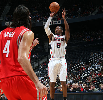 A wide-open Joe Johnson shoots vs. Houston, scoring a game-high 30 points in the Hawks' home loss. (Getty Images)