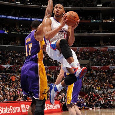 Eric Gordon goes 13 of 20 from the field while scoring a game-high 30 points against the Lakers.  (Getty Images)