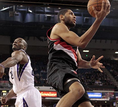Nicolas Batum puts up a career-high 24 points as the Blazers pull off an overtime victory.  (AP)