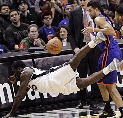 DeJuan Blair dives for a loose ball vs. the Knicks on Friday as the Spurs notch a home win. (US Presswire)