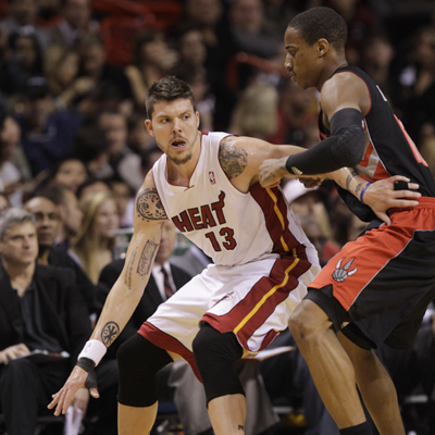Playing for Dwyane Wade, Mike Miller steps up and drops 32 points on the Raptors.  (Getty Images)
