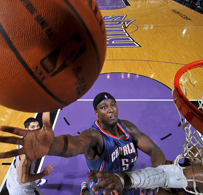 Kwame Brown is a rebounding machine as he hauls in a season-high 18 boards for the Bobcats.  (Getty Images)