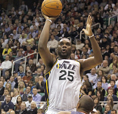Al Jefferson rises up against the Bobcats by scoring a team-high 21 points to go along with 11 rebounds. (AP)