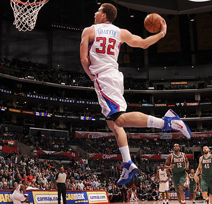 Blake Griffin, who finishes with 32 points and 11 rebounds, slams home his 39th double-double of the season. (Getty Images)
