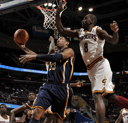 Danny Granger (33) shoots against Christian Eyenga and ends the game with 23 points. (Getty Images)