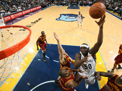 Zach Randolph posts a game-high 29 points and 13 boards while handing Cleveland their 23rd consecutive loss.  (Getty Images)
