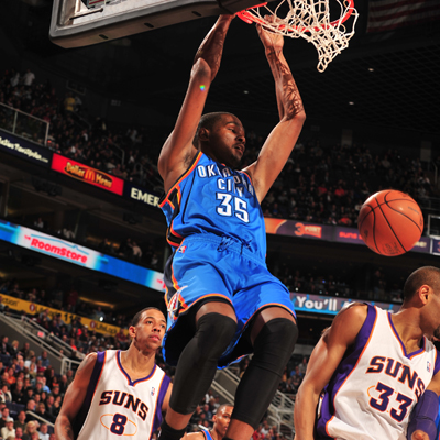Kevin Durant scores 24 as Oklahoma City escapes Phoenix with a hard-fought win.  (Getty Images)