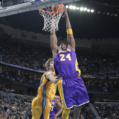 Kobe Bryant drops 32 points as the Lakers go into Hornet territory and come out with a win.  (Getty Images)