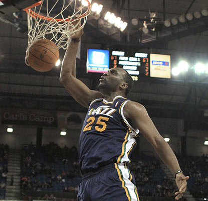 Al Jefferson helps the Jazz rally past the Kings by dropping a team-high 23 points.  (AP)