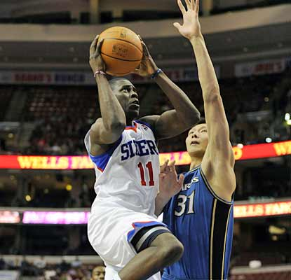 Jrue Holiday pours in 20 points to help the Sixers win their 11th game in the last 15 tries.  (US Presswire)
