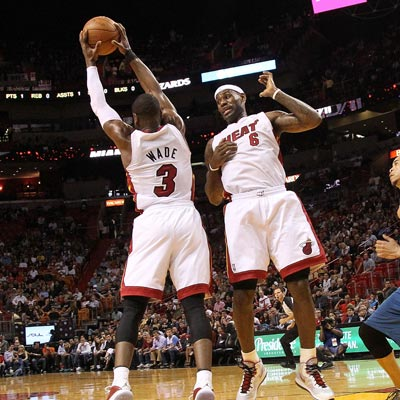 Dwyane Wade scores 41 and LeBron James scores 25 as the Heat defeat a struggling Wizards squad.  (Getty Images)