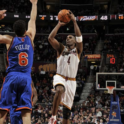Antawn Jamison scores 28 points and grabs 13 rebounds to help the struggling Cavs beat the new-look Knicks.  (Getty Images)