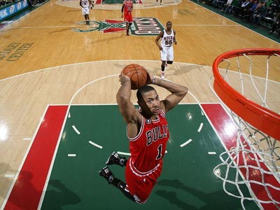 Derrick Rose -- 17 points -- goes 7 of 19 from the field during a gutsy win over the Bucks.  (Getty Images)
