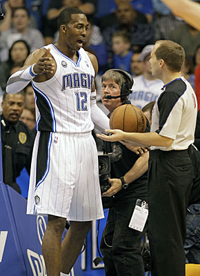 Dwight Howard isn't shy about confronting officials when he disagrees with a call. (AP)