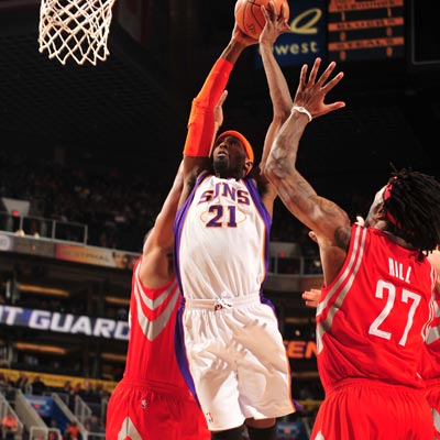 The Suns' Hakim Warrick starts in place of injured Channing Frye and scores a career-high 32 points.   (Getty Images)