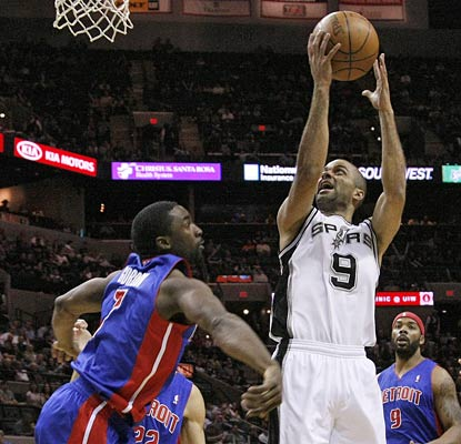 Tony Parker pops a shot over Ben Gordon on his way to a 23-point night for the Spurs.  (US Presswire)