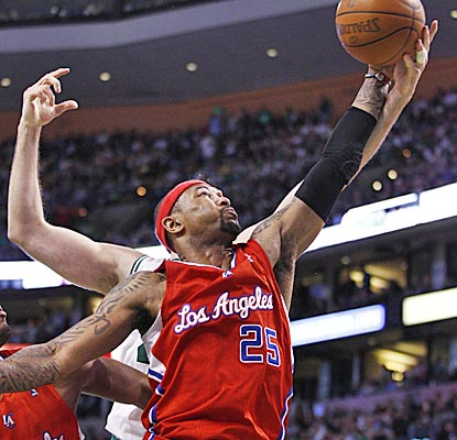 Mo Williams finishes with 28 points as the Clippers pull off the upset in Boston. (US Presswire)