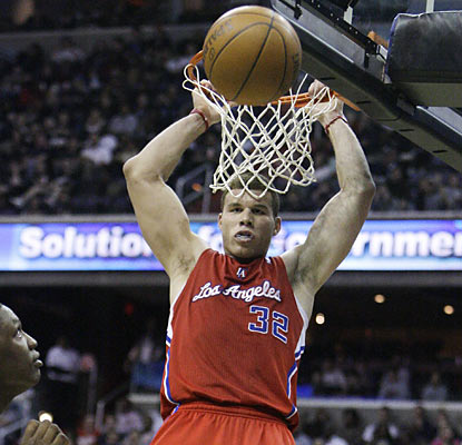 Blake Griffin pours in 26 points -- all in the first half -- and is one of six Clippers to finish in double digits.  (AP)