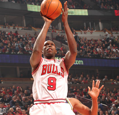 Luol Deng throws down 26 points along with seven boards and six assists as the Bulls thrash the Jazz.  (Getty Images)