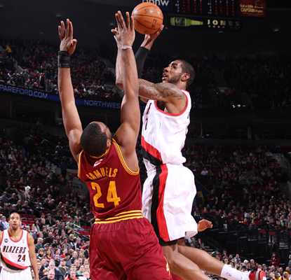 LaMarcus Aldridge leads the Trail Blazers to a blowout with 20 points and 11 rebounds.  (Getty Images)