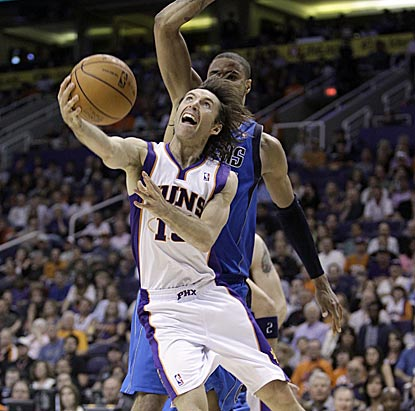 Steve Nash has a much better night passing (10 assists) than shooting (3 for 11) in a losing effort against his former team.  (AP)