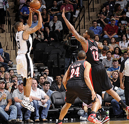 Subbing for injured point guard Tony Parker, the Spurs' George Hill puts up a game-high 27 points in a losing effort. (Getty Images)