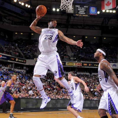Marcus Thornton complements his 24-point performance against the Suns with 11 rebounds.  (Getty Images)
