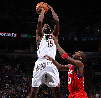John Salmons lines up his shot as the Bucks work on an upset of the Sixers. (Getty Images)