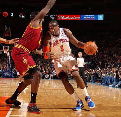 Amar'e Stoudemire (28 points) helps the Knicks reach the playoffs in his first season with New York. (Getty Images)