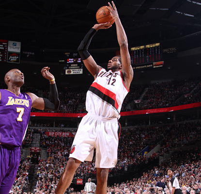 LaMarcus Aldridge can't be stopped from scoring 24 points and adding 11 rebounds to the Trail Blazers' win over the Lakers. (Getty Images)