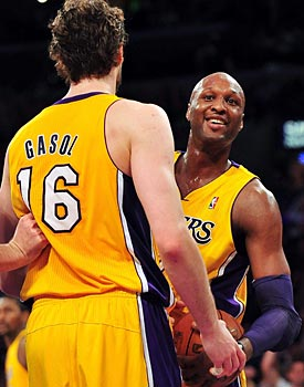 Lamar Odom comes through for the Lakers with 16 points and seven rebounds. (US Presswire)