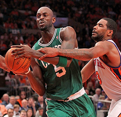 Kevin Garnett snags 10 rebounds and scores 20 of his 26 points after halftime to help the Celtics hold off the Knicks.  (Getty Images)