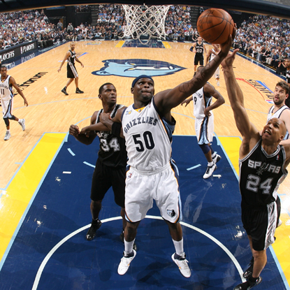 Memphis forward Zach Randolph finishes with 31 points and 11 rebounds in Game 6. (Getty Images)